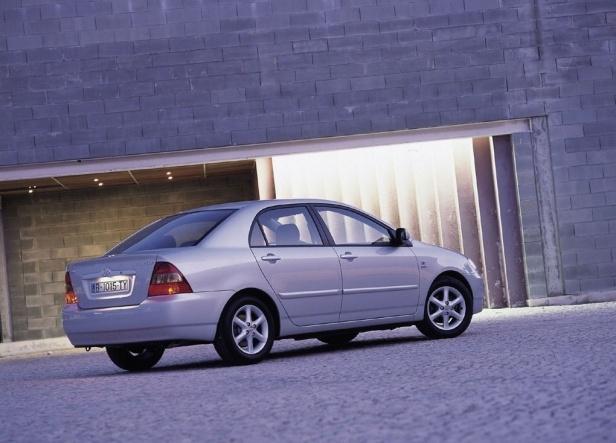 Corolla Toyota Sedan E12