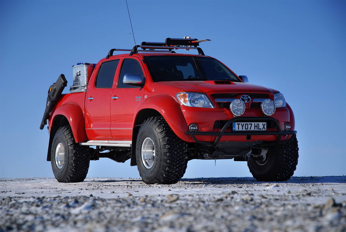 The first vehicle ever to be driven to the north pole see it on top gear built by arctic trucks out of iceland nice nice rig pinterest top gear