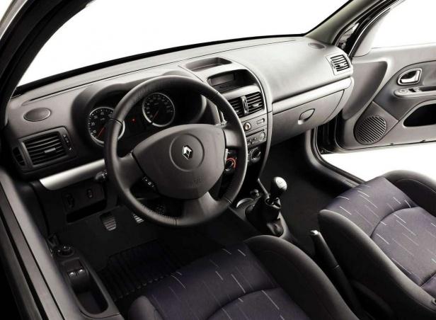 Renault Clio II Wnętrze