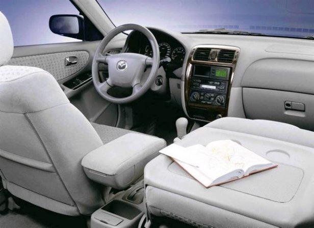 Mazda 626 Wnętrze