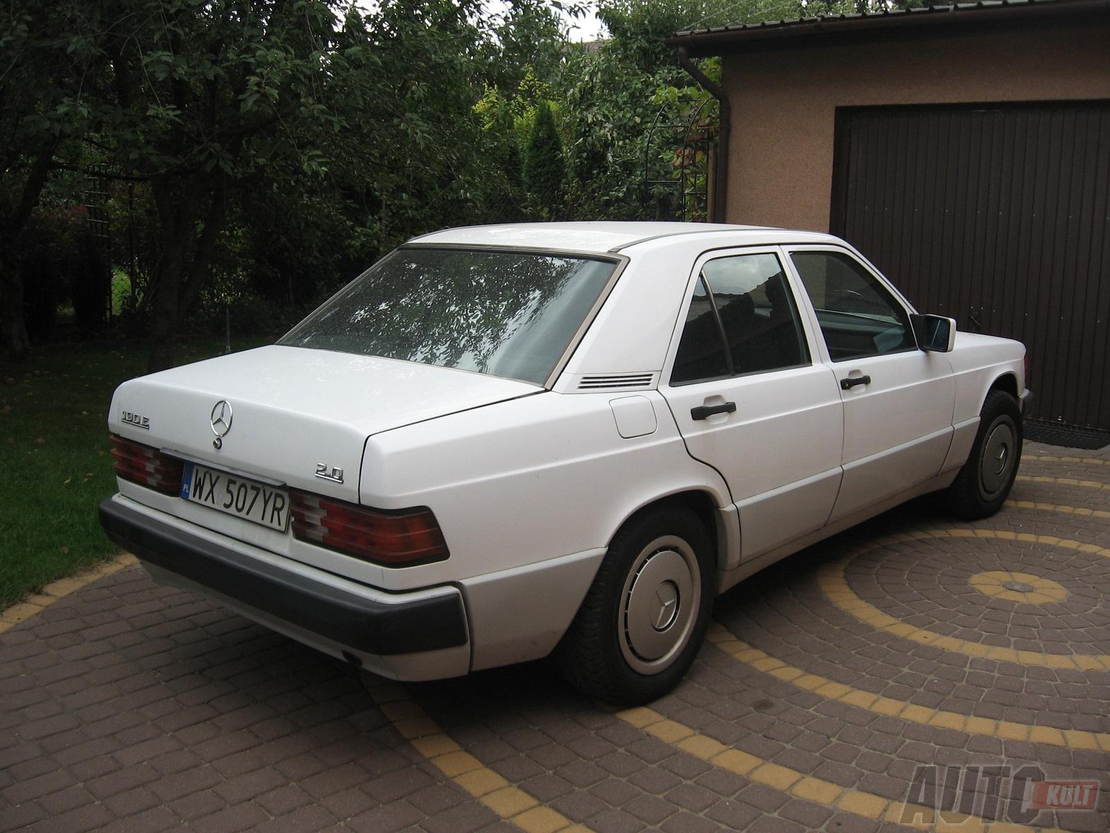 http://s2.blomedia.pl/autokult.pl/images/2012/11/Jazda-Youngtimerem-cz.6-naprawy-Mercedesa-190-W201-8-260952.jpg