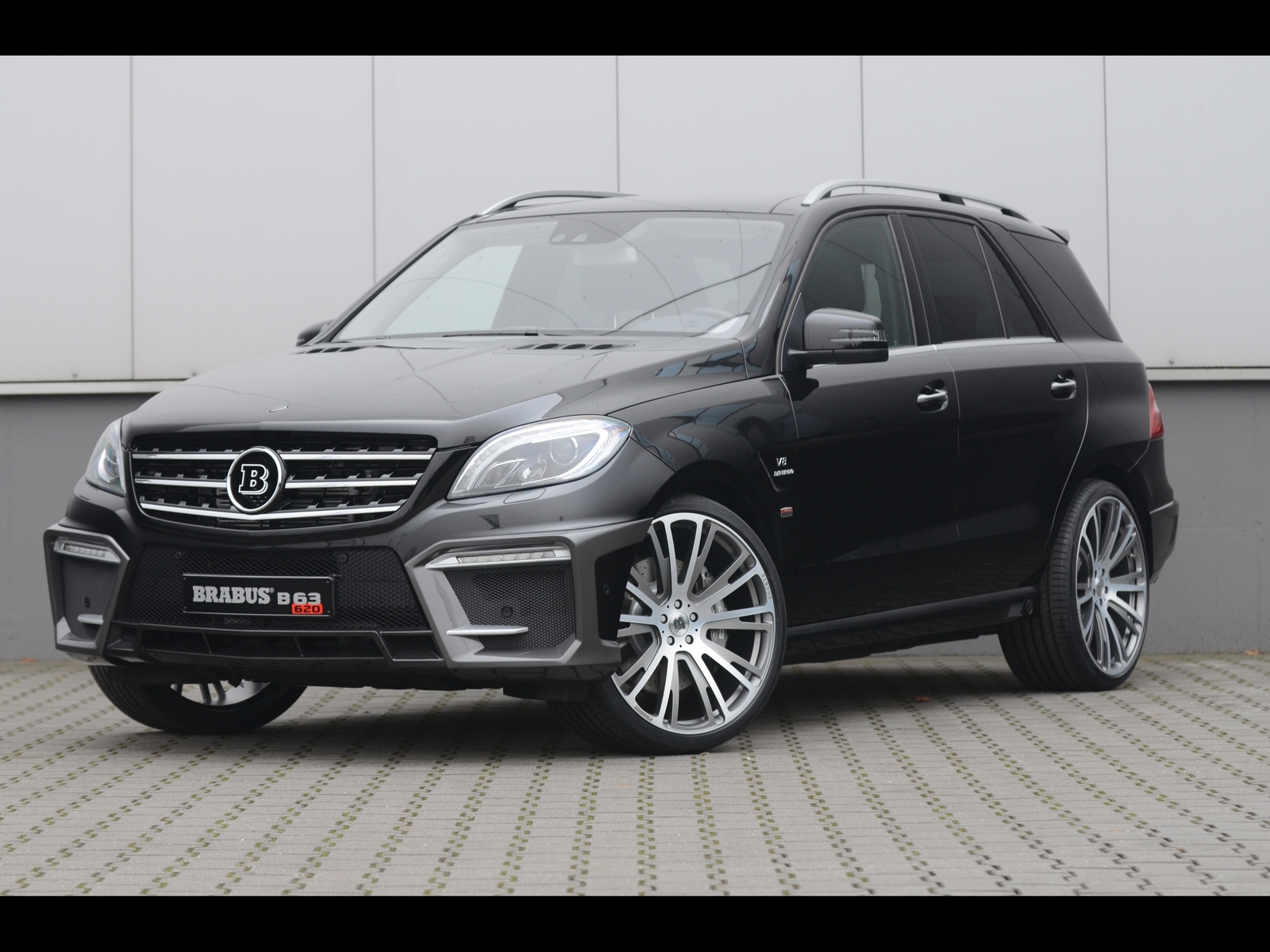 CAR NEWS LUX Brabus ML 63 AMG B63 620