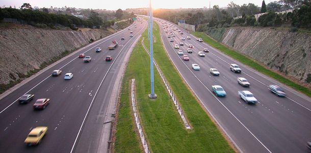 Eastern Freeway Belford (Wikipedia Commons)
