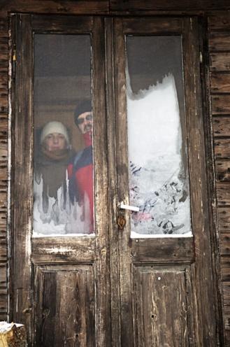 Naturalne obramowania, jak drzwi można wykorzystać jako ciekawe brzegi kadru. / fot. Jakub Knoll