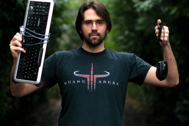 Hardcorowi gracze często nie uznają bezprzewodówek... (fot. nalic. CC; Flickr.com/by Sebastian Anthony)