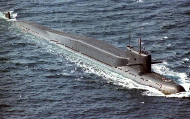 Okręt podwodny klasy Delta II. Garb nakadłubie kryje 16 rakiet R-29D  (Fot. Navy.mil/public domain)