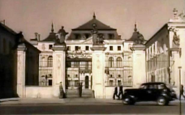 Siedziba MSZ przed wojną (Fot. YouTube)