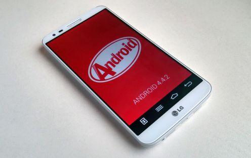 LG G2 zAndroidem 4.4 KitKat