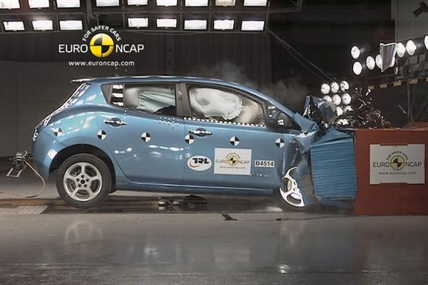 Nissan Leaf crash test