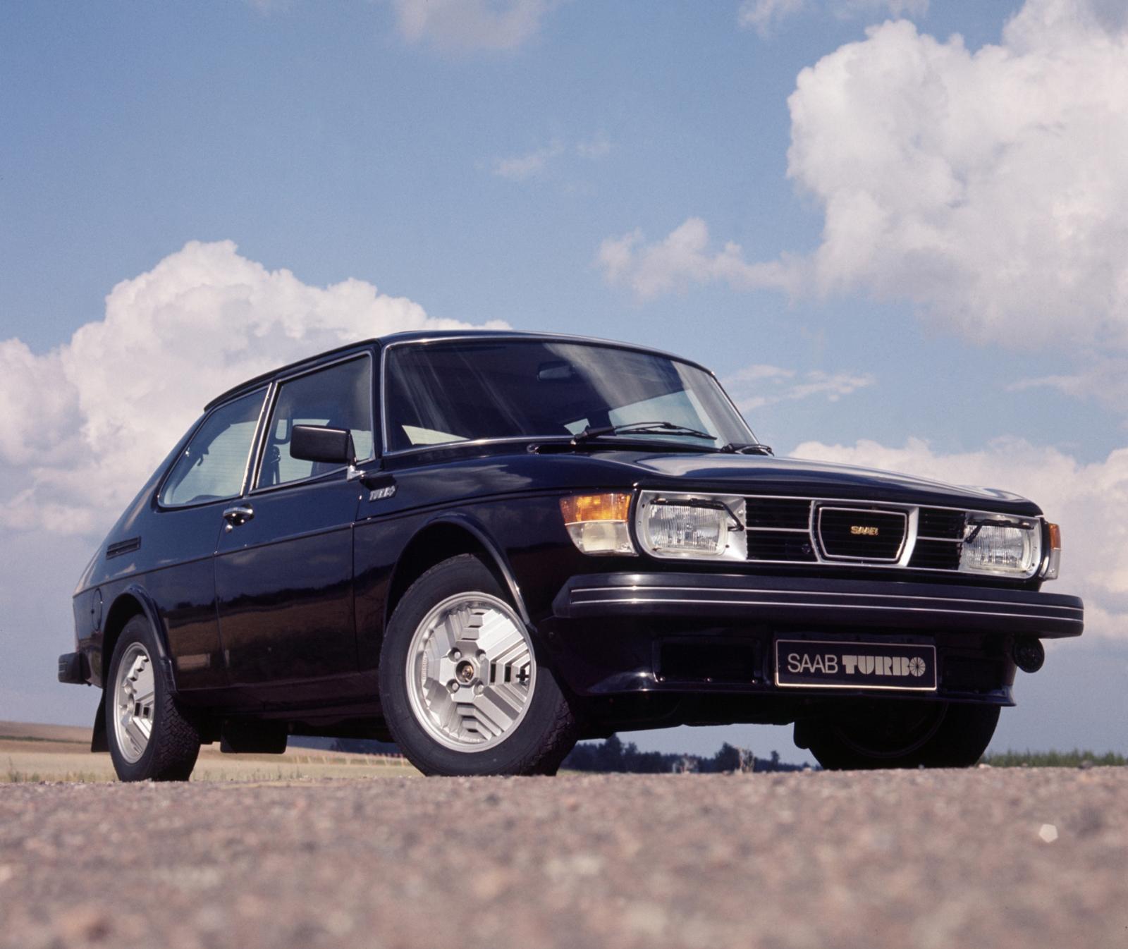Front 20Seat 82408542 in addition Dashboard 59176594 likewise Saab Szwedzkie Auta O Ktorych Warto Pamietac Galeria furthermore Exterior 49786280 besides Exterior 47641735. on saab 9 3 2004 convertible