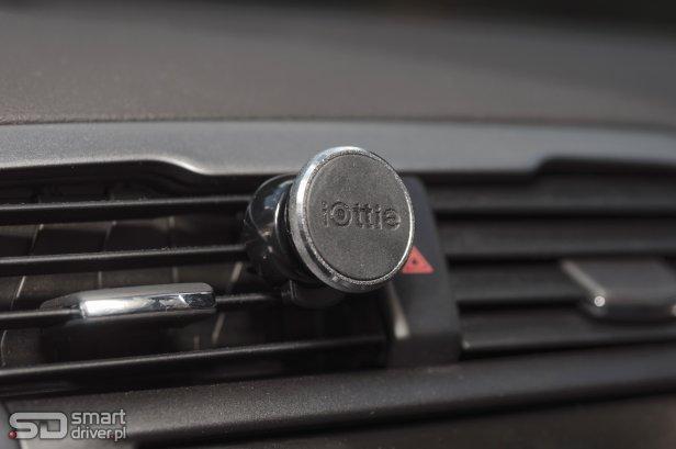 Uchwyt samochodowy test (1) - TEST: Magnetyczny uchwyt samochodowy do telefonu