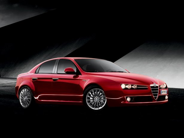IMAGE 021 - Alfa Romeo 159 – poprzednik Giulii, którego możesz mieć za znacznie niższą cenę