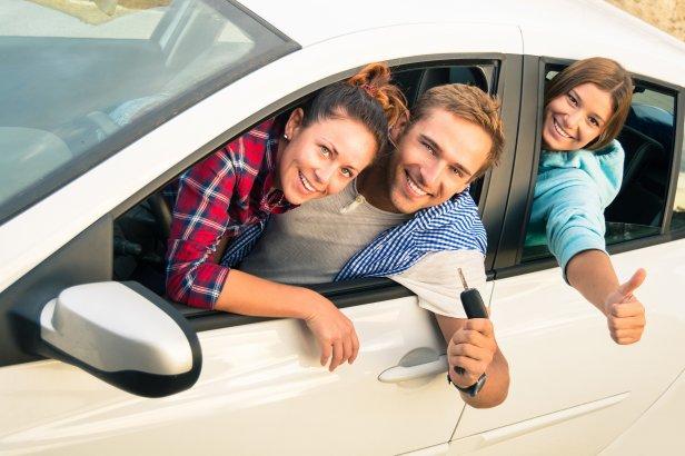shutterstock_wakacje - O czym warto pamiętać wypożyczając samochód za granicą [wywiad]